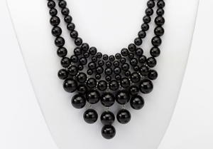 Black Pearl Treasure Necklace and Bracelet
