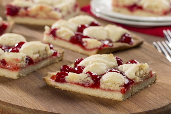 Cherry Kuchen Bars