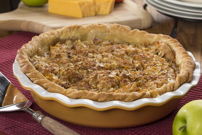Cheddar Crumb Topped Apple Pie