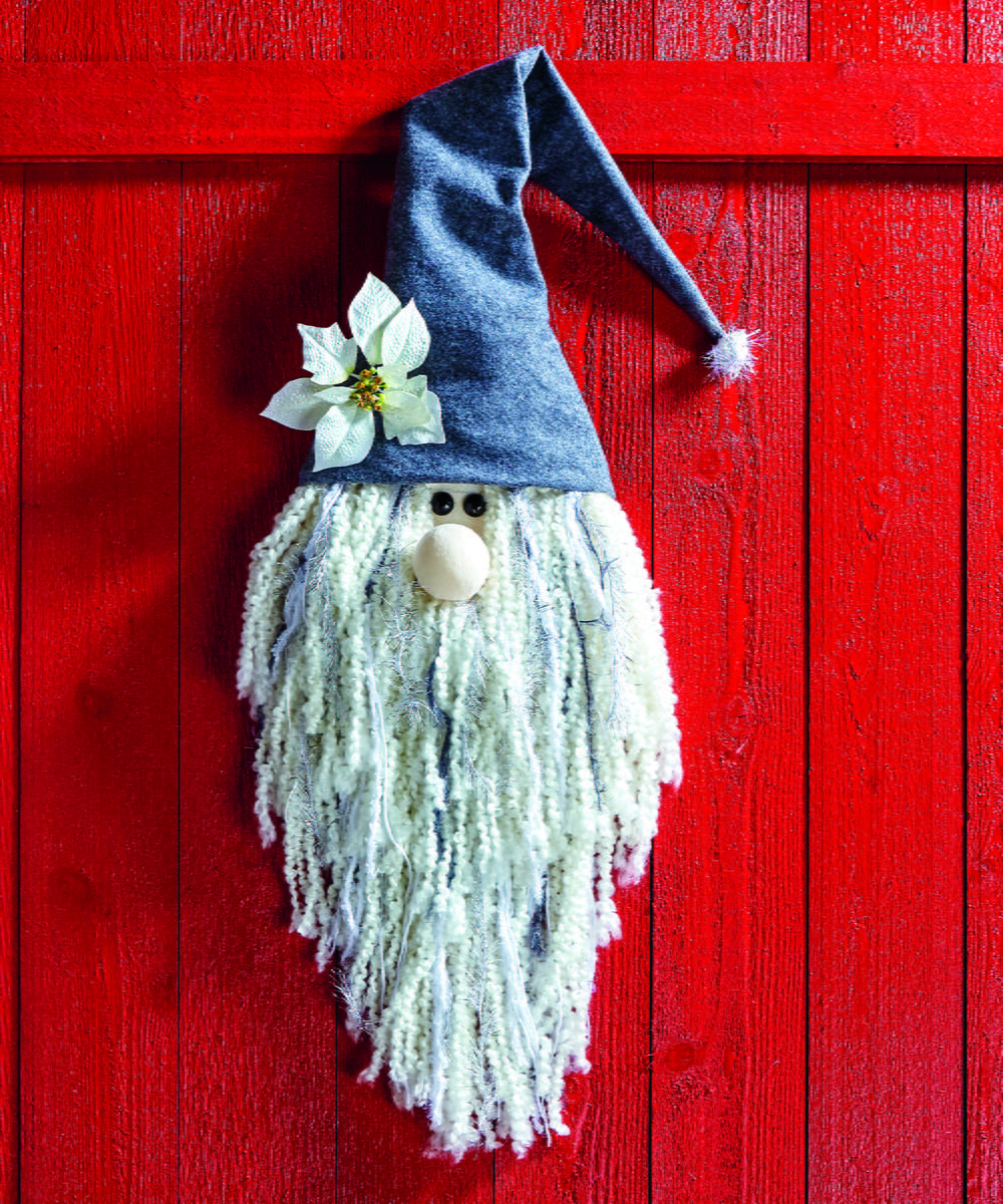 Outdoor Wedding Ideas: Christmas Gnome Wall Decor