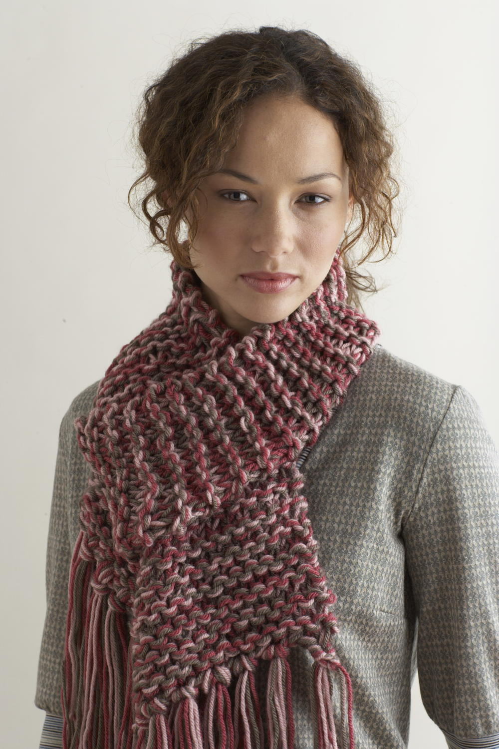 59 free scarf knitting patterns favecrafts knit two hours or less scarf bankloansurffo Image collections