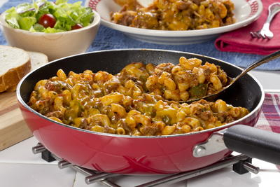 10 easy goulash recipes mrfood all american skillet goulash forumfinder Image collections
