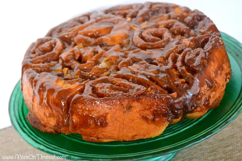 Best Caramel Apple Sticky Buns | TheBestDessertRecipes.com