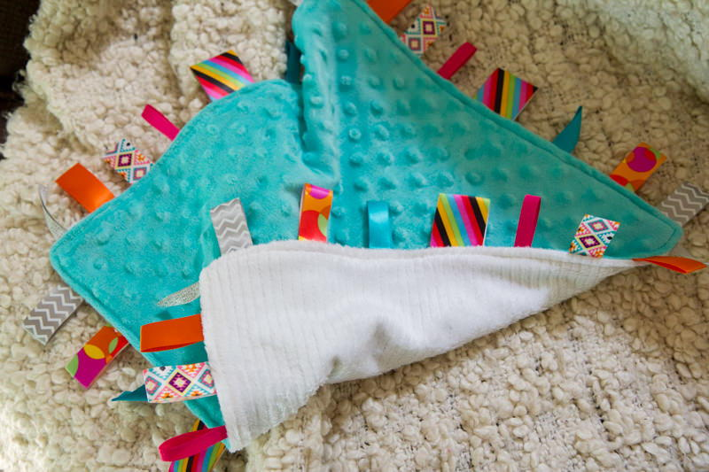 Loveable Diy Tag Blanket Allfreesewing Com