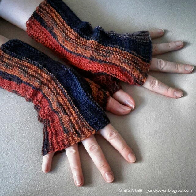 Loom Knit Fingerless Gloves Pattern : Strata Fingerless Gloves AllFreeKnitting.com