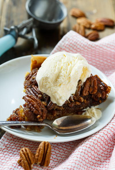 Easy Slow Cooker Pecan Pie