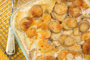 Simple Scalloped Potatoes Casserole
