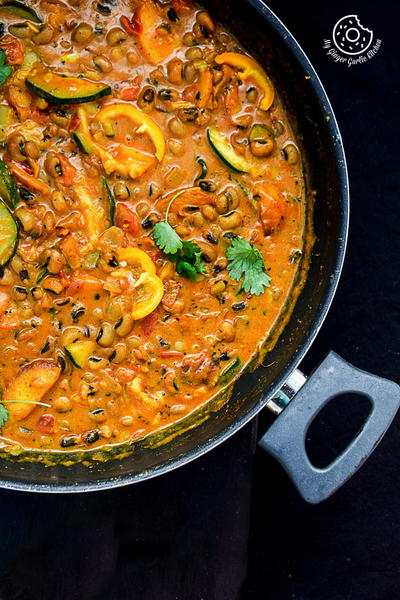 Black-Eyed Bean Zucchini Peach Curry