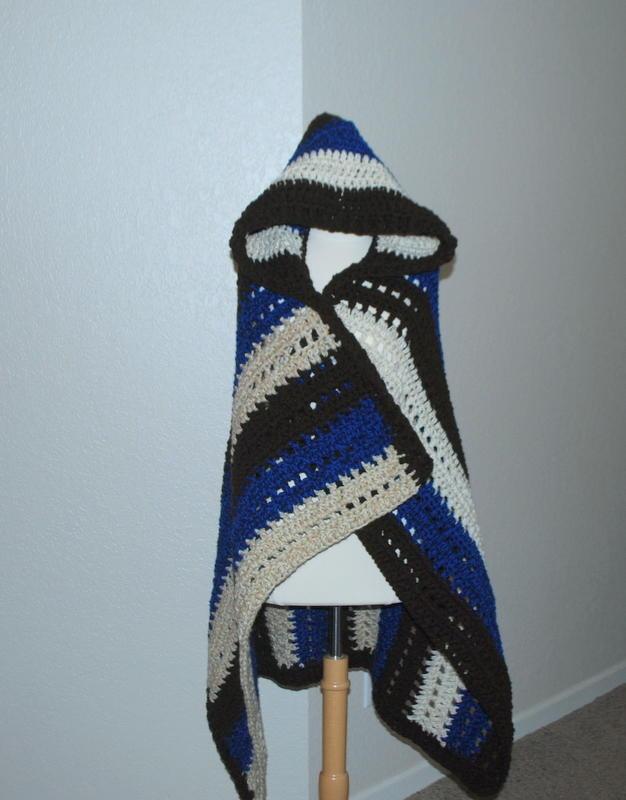 Hooded Blanket Wrap Allfreecrochet