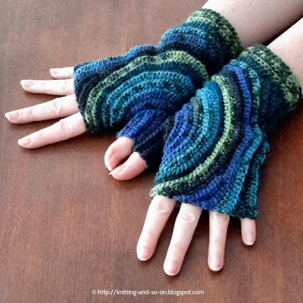 Kreisel Fingerless Gloves AllFreeCrochet.com