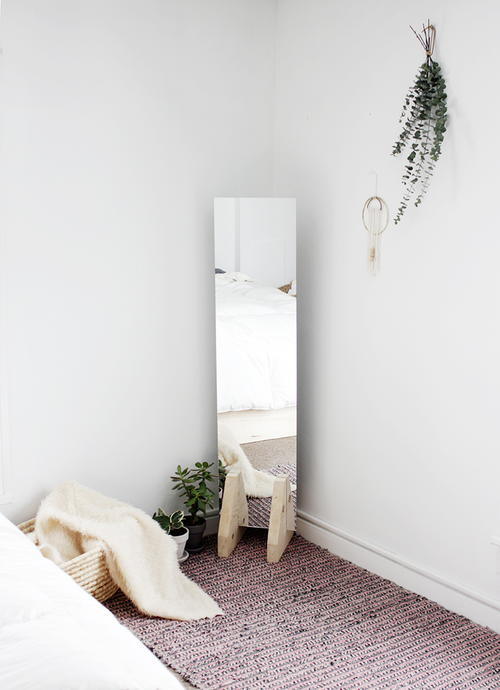 DIY Minimal Floor Mirror