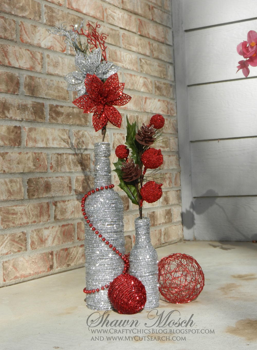 Wine bottle diy christmas decor for Large christmas decorations