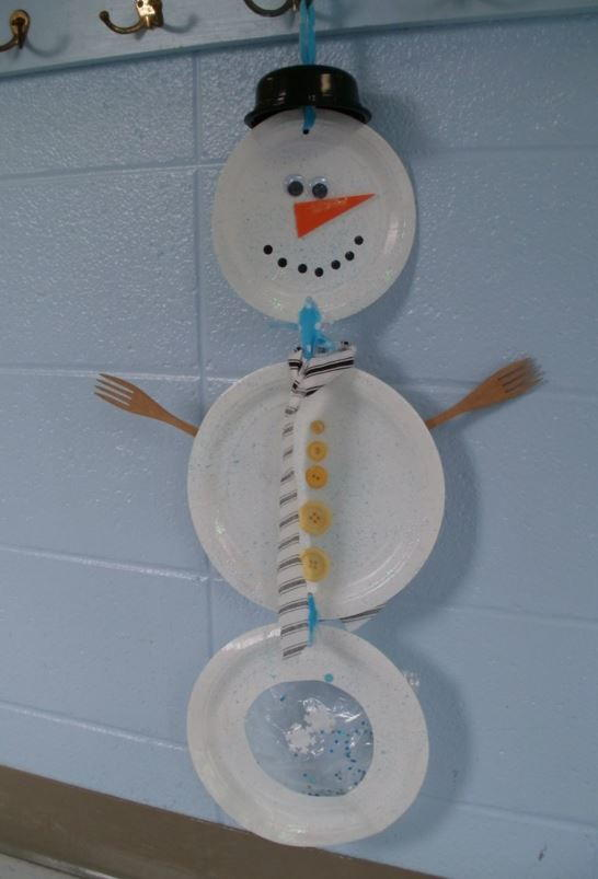 Hanging Paper Plate Snowman AllFreeKidsCrafts