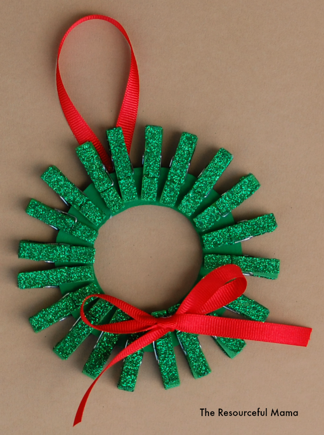 Mini clothespin christmas wreath ornament for Clothespin crafts for adults