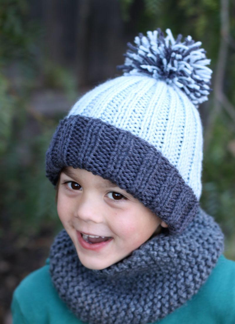 Free Knitted Beanie Patterns For Kids : Beginner Easy Ribbed Pom Hat AllFreeKnitting.com