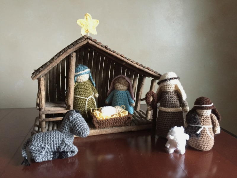 Crochet Patterns Nativity Scene : Crocheted Nativity Set AllFreeCrochet.com