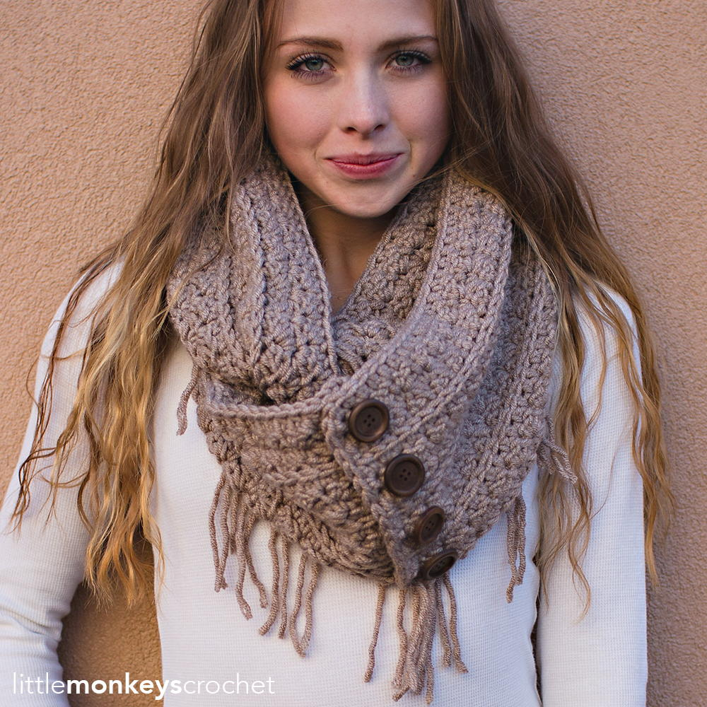 Free Crochet Pattern For Infinity Scarf With Fringe : Rustic Fringe Infinity Scarf AllFreeCrochet.com