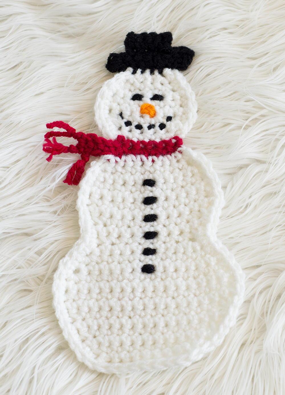 Knit Potholder Patterns : Snowman Pot Holder Pattern FaveCrafts.com