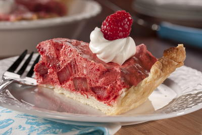 EDR Light and Airy Raspberry Rhubarb Pie