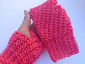 Mesh Stitch Crochet Gloves