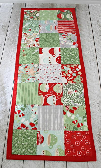 Easy table runner sewing pattern allfreesewing easy table runner sewing pattern watchthetrailerfo