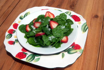 EDR Strawberry Spinach Salad