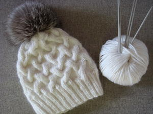 Snowy Scene Cable Hat