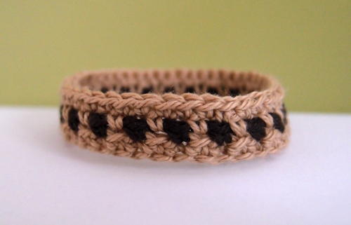 Two Toned Crochet Bracelet Pattern Allfreecrochet