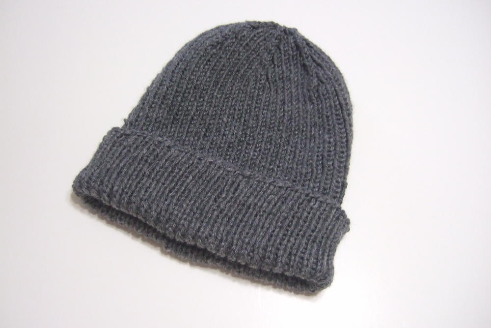 Free Hat Knitting Patterns Straight Needles : Favorite Ribbed Hat for Straight Needles AllFreeKnitting.com