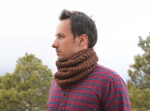 Men\'s Woodsy Knit Cowl Pattern | FaveCrafts.com
