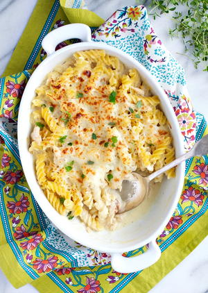 Dump and Bake Chicken Alfredo Pasta Casserole