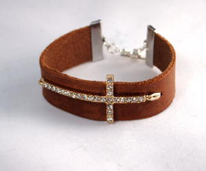 Simple Leather and Cross DIY Bracelet