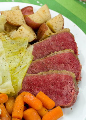 Traditional Slow Cooker Corned Beef and Cabbage