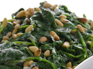 Creamed Spinach with Pine Nuts