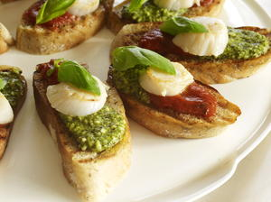 Scallop and Pesto Crostini