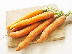 Grated Daikon and Carrot Salad
