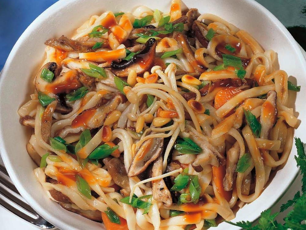 Chinese braised mixed mushroom noodles cookstr forumfinder Choice Image