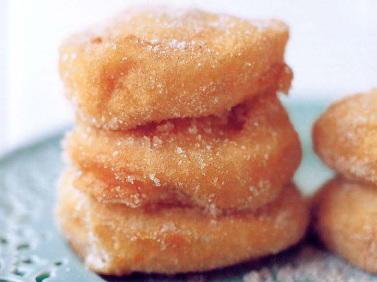 Roasted Apple Beignets with Cinnamon Sugar | Cookstr.com