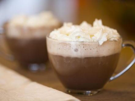 Hot Chocolate With Cinnamon Whipped Cream Cookstr Com