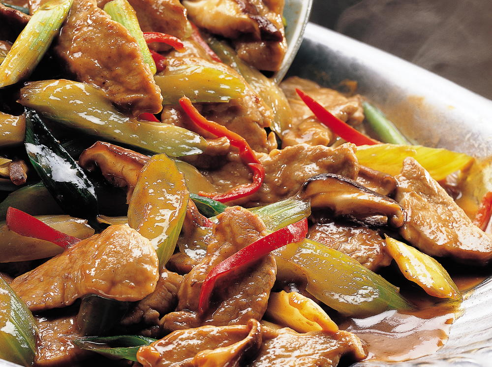 Sizzling garlic pork for 8 cuisines of china
