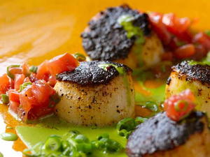 Blackened Sea Scallops, Green Onions, Roasted Tomatoes