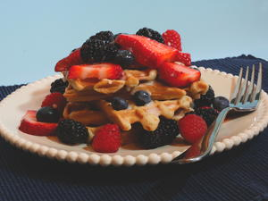 Summer Waffles with Lemon Sauce