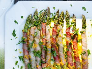 Prosciutto-Wrapped Asparagus with Citrus Vinaigrette