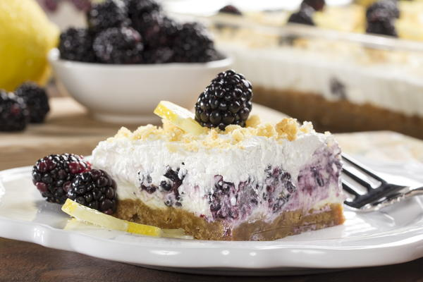 Creamy Crumbly Blackberry Bars