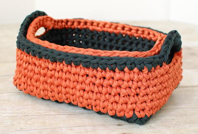 Two Toned Crochet Nesting Baskets Allfreecrochet