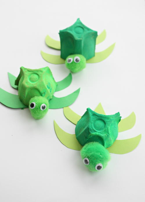 The Absolutely Cutest Egg Carton Turtles