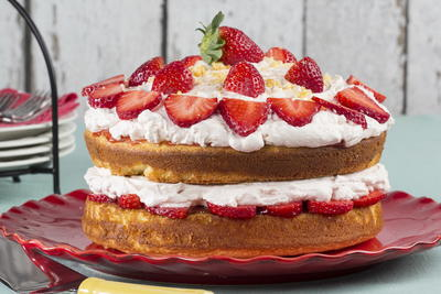 42 Easy Strawberry Dessert Recipes