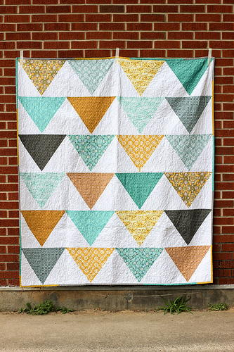 Terrific Triangle Quilt Tutorials 40 Triangle Quilt Patterns
