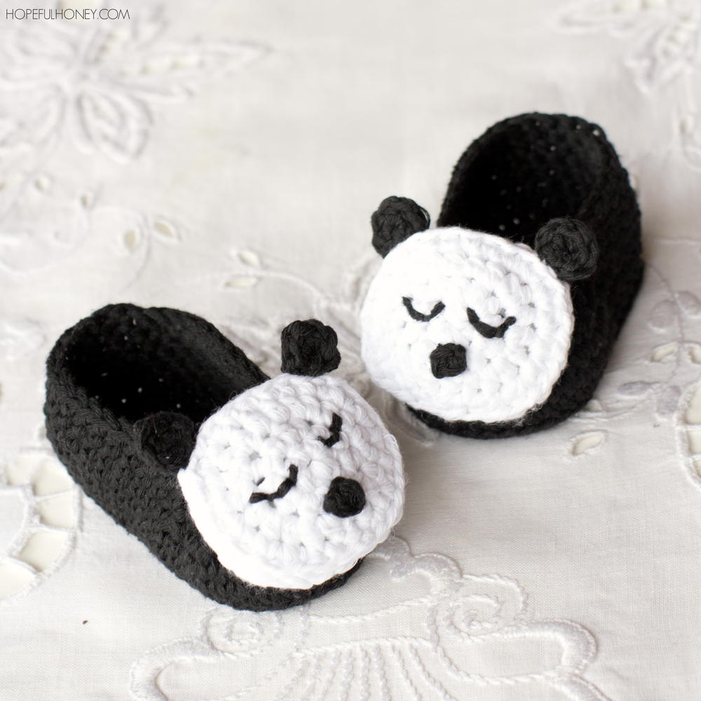 Sleepy Panda Baby Booties | AllFreeCrochet.com