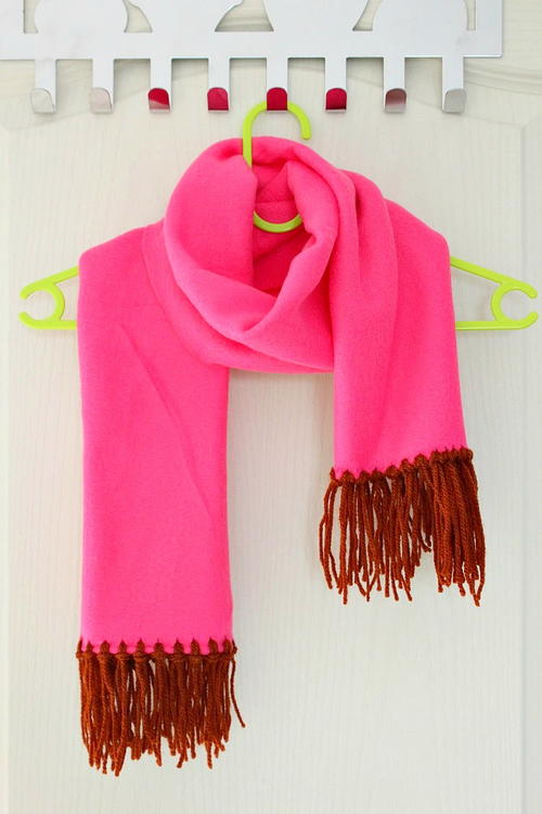 No-Sew Fleece Scarf